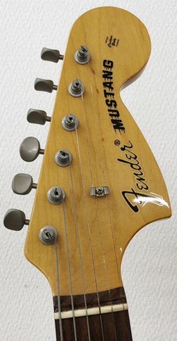 fender japan mustang car - head